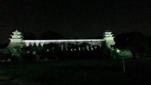 夜の明石城の写真